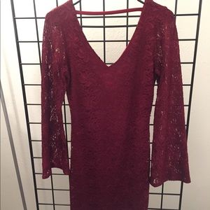 Long sleeved low back lace holiday dress size M